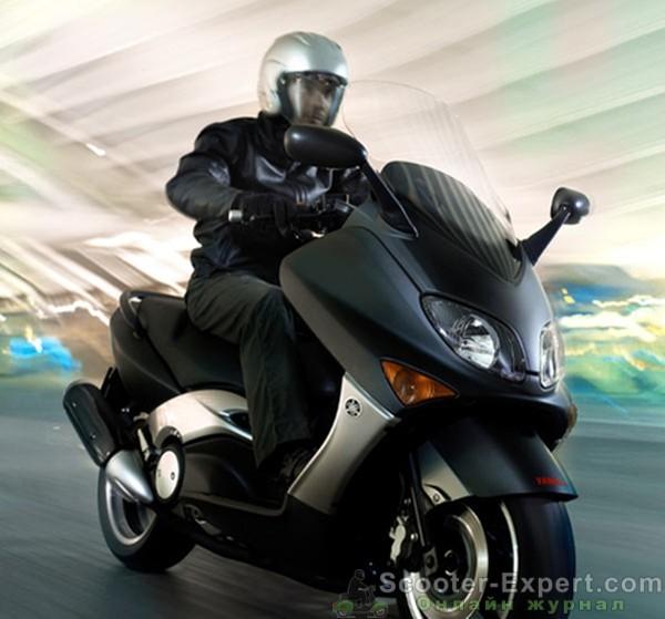 Обзор скутера Yamaha Black MAX 500 ABS