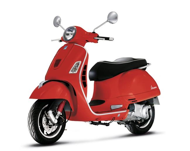 Ретро-скутер Vespa GTS300