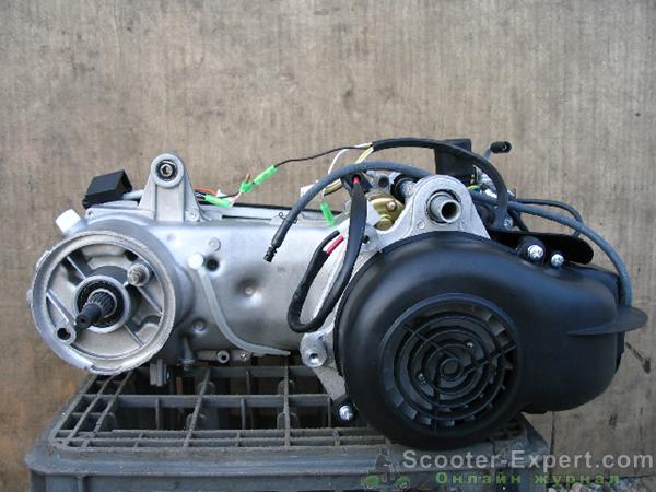 Двигатель двухтактного скутера