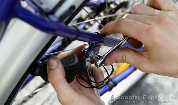 Настройка велосипеда во время обслуживания