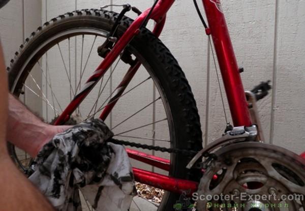 Очистка цепи велосипеда