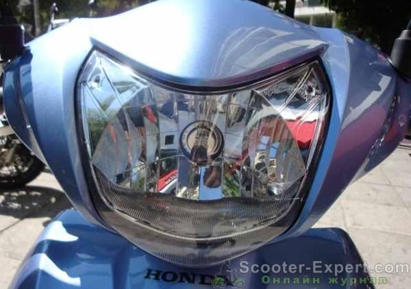 Фара скутера Honda