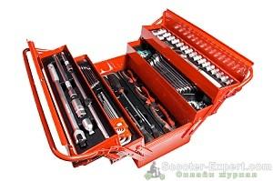 Набор инструментов в ящике